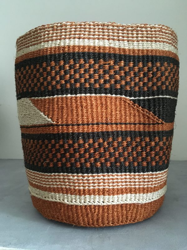 sisal basket #13 with geometrical pattern black, brown and white from Kenya