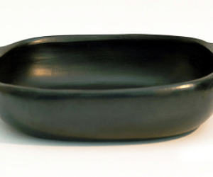 bake/frying dish with grip ceramic black pottery